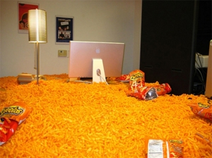 hilarious-office-boss-prank-cheatos-filled-funny-practical-joke